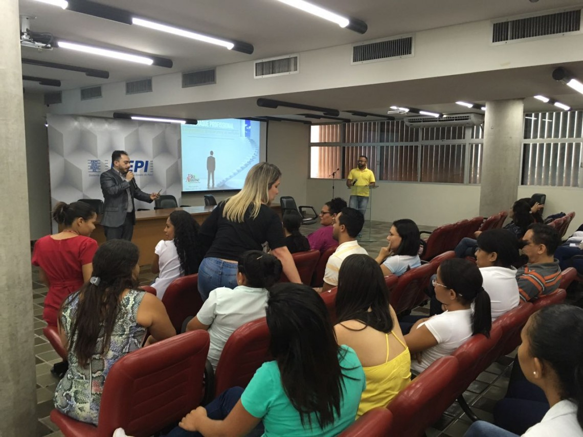 """Calos Quirino ministra treinamento """"A importância de estar entre os melhores"""""""